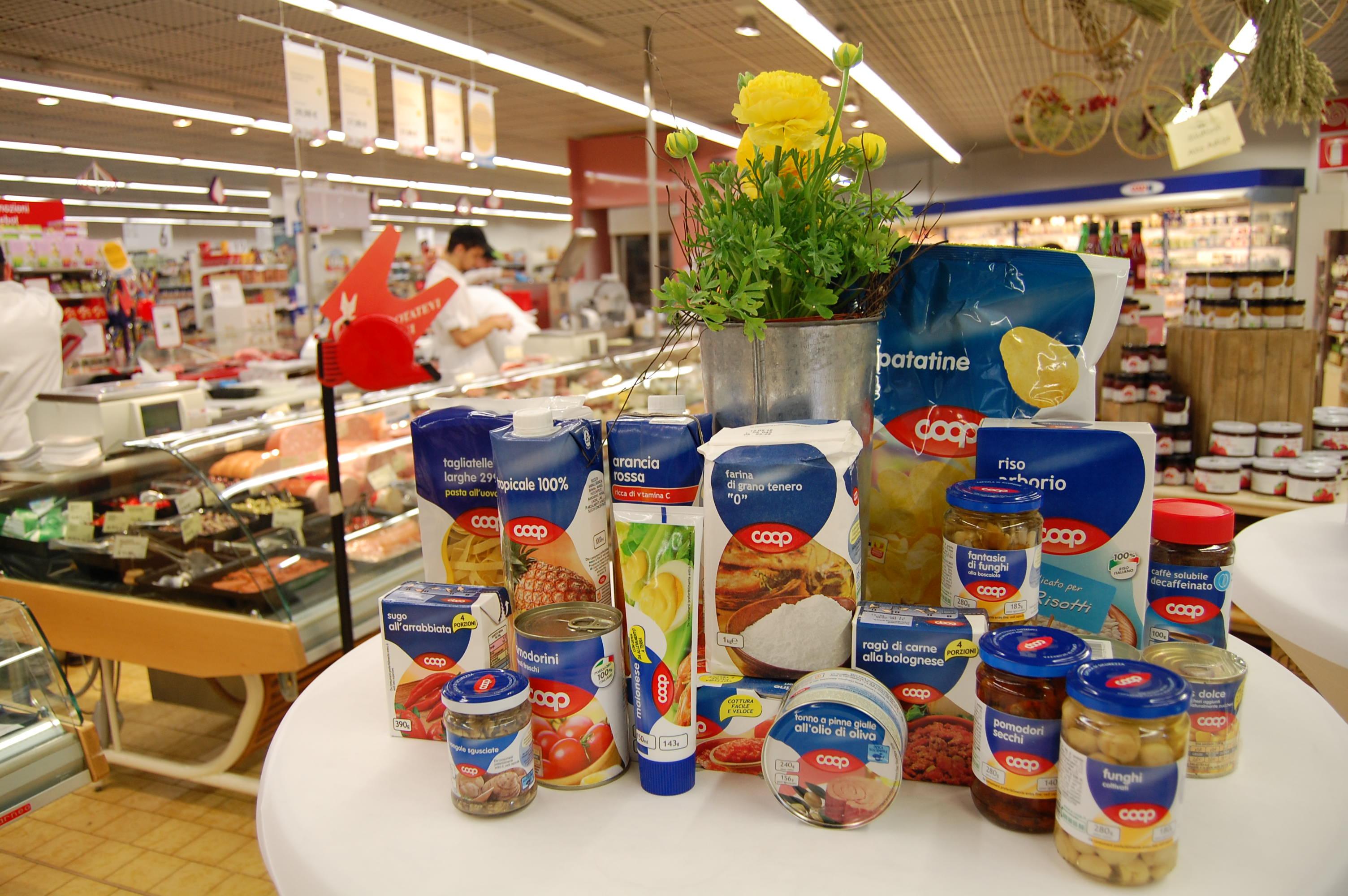 Coop Produkte der Konsumgenossenschaft Koncoop in Bozen