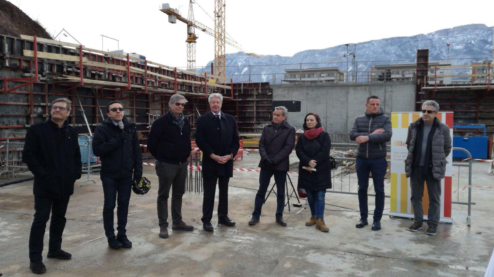 autorità alla posa della prima pietra delle cooperative edilizie Druso Est Prati di Gries