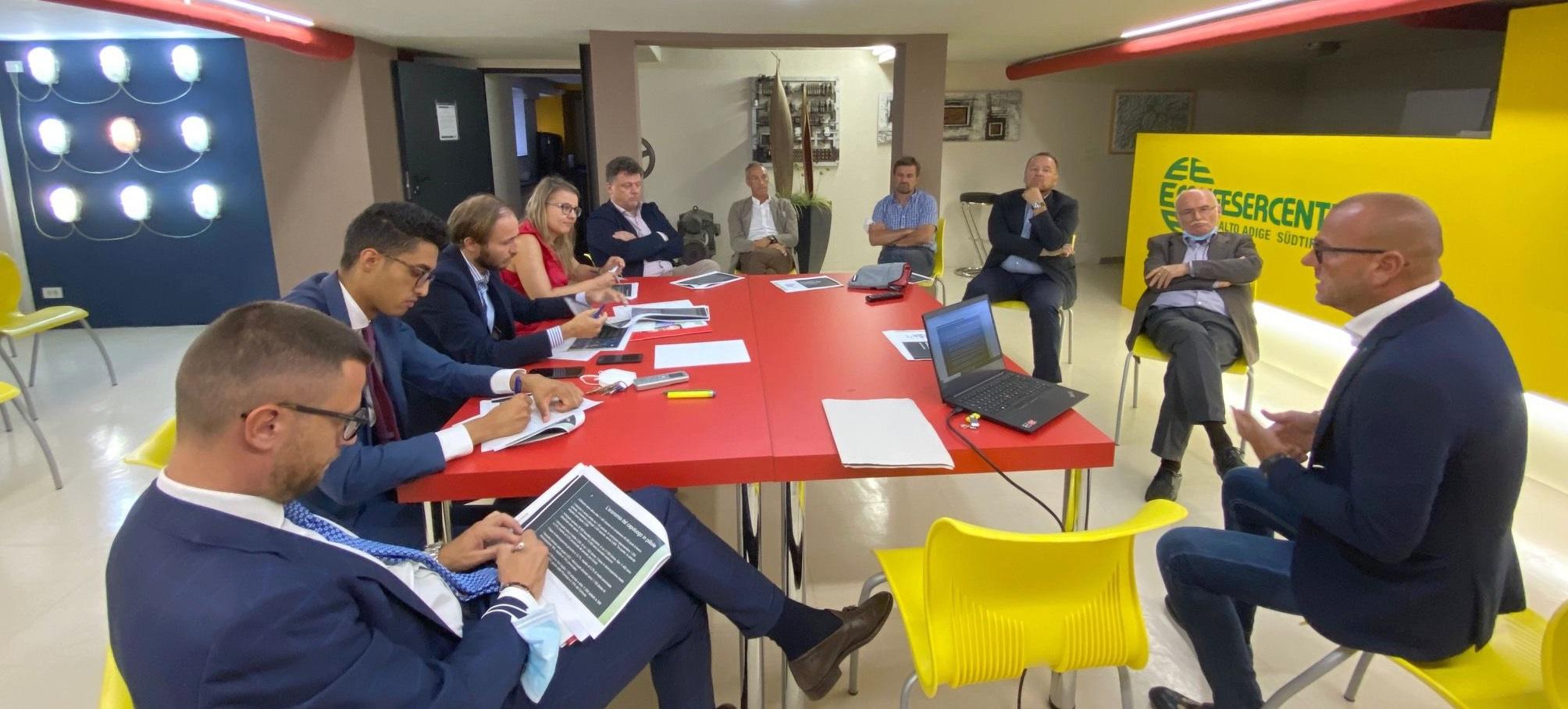 Incontro tra Rete Economia-Wirtschaftsnetz e il candidato sindaco Angelo Gennaccaro